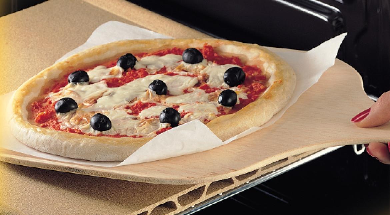 Perch usare la pietra refrattaria per cuocere la pizza - Forno con pietra refrattaria ...